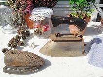 antikes Bügeleisen mit Ofen - Stein shabby chic