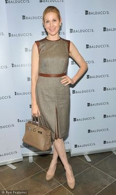 Kelly Rutherford. love her style! Always so elegant.