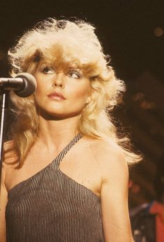 Debbie Harry, late 1970s.  only reason i'd ever want to be a white/blonde girl...to look like her!