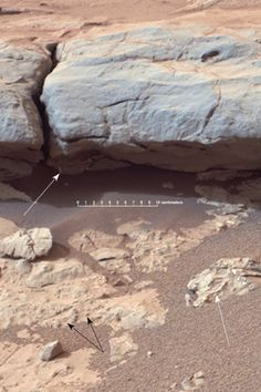 Photo from Curiosity Rover of sedimentary rock on Mars.