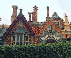 Disneyland Paris, Cabin, House Styles, Home Decor, Decoration Home, Room Decor, Cabins, Cottage, Home Interior Design