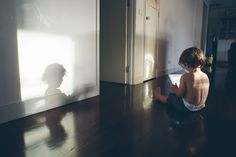 little boy and shadow - Family documentary photography