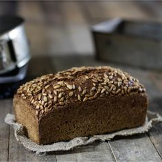 A juicy wholemeal bread recipe without wheat that you should definitely bake . - A juicy wholemeal bread recipe without wheat that you should definitely bake. Here you will find th - Artisan Bread Recipes, Yeast Bread Recipes, Bread Machine Recipes, Homemade Sandwich Bread, Sandwich Bread Recipes, Easy French Bread Recipe, Easy Bread, French Recipes, No Yeast Bread