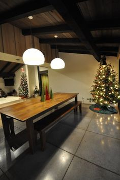 A Contemporary Christmas from @Bob Borson @bobborson ... polished concrete floors, Kartell lighting and a new table