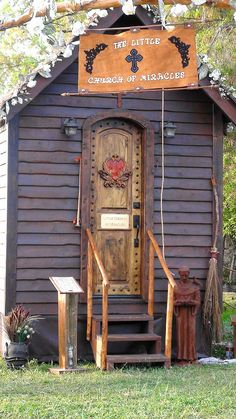 ❥ The Little Church of Miracles - A mini mobile chapel complete with antiquities from small churches torn down from around the world. Was built as a labor of love in appreciation for a miracle received by the builders.