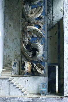 Relics, Sculpture, Motifs for the Home : . -Read More – Bleu Pale, Dutch Artists, Acanthus, Architectural Salvage, Wabi Sabi, Architecture Details, Amazing Architecture, Box Art, Stairways