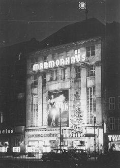 Berlin 1952 Marmorhaus bei Nacht
