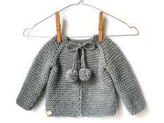 top down baby cardigan Baby Knitting Patterns, Knitting For Kids, Baby Patterns, Knitted Baby Cardigan, Knit Baby Sweaters, Knitted Baby Clothes, Knit Or Crochet, Crochet For Kids, Crochet Baby