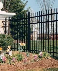 Weigh your options and select the best fence for your yard