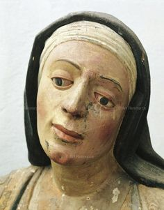 Details Anonymous, 15th century Deposition, polychrome wood. Detail, Martha of Bethania. Photo: A. De Gregorio