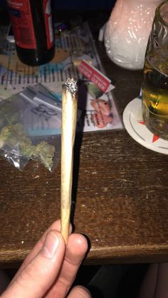 Stoner Room, Stoner Girl, How To Make Clouds, Making Clouds, Weed Drug, Cigarette Aesthetic, Smoke Pictures, Puff And Pass, Weed