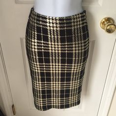 Pencil skirt Never worn. This purchase also comes with a free tube of lipgloss. Just comment 1-6 below when purchasing. Price firm. Charlotte Russe Skirts Pencil