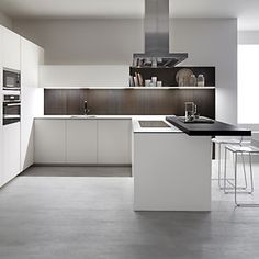'Blanco fenix' kitchen design by Dica Modern Kitchen Tables, Kitchen Dinning Room, Small Apartment Kitchen, New Kitchen, Kitchen Decor, Home Design, Interior Design Kitchen, Kitchen Cupboards, Home Decor