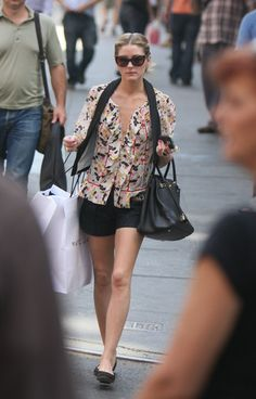 Olivia Palermo Shopping In New York City