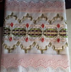 How to make a wonderful bowknot with a simple folk? Hardanger Embroidery, Silk Ribbon Embroidery, Hand Embroidery, Huck Towels, Swedish Weaving, Creative Embroidery, Cross Stitch Flowers, Bohemian Rug, Diy And Crafts