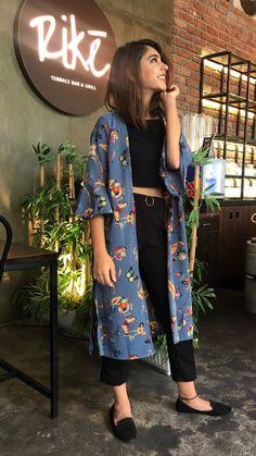Designer Dresses Sale up to off Dress Indian Style, Indian Fashion Dresses, Indian Designer Outfits, Indian Outfits, Designer Dresses, Fashion Outfits, Pop Fashion, Casual Dress Outfits, Stylish Dresses