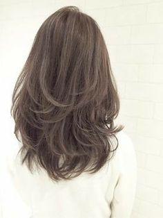 48 Ideas Haircut 2019 Thick Hair For 2019 Medium Hair Cuts, Medium Hair Styles, Curly Hair Styles, Hairstyles Haircuts, Pretty Hairstyles, Layered Hairstyles, Aesthetic Hair, Light Hair, Hair Looks