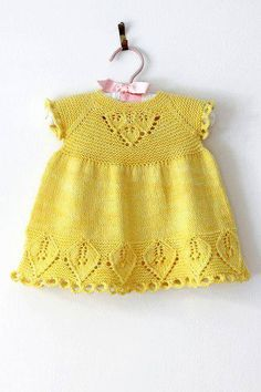 Neuen Crocheted Baby Jacket Models (New), Baby Pullover, Baby Cardigan, Knitting For Kids, Baby Knitting Patterns, Crochet Baby Jacket, Knitted Baby Clothes, Baby Sweaters, Crochet Fashion, Baby Dress
