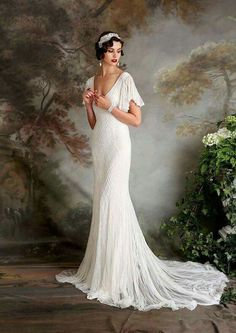 Daisy Buchanan from 'The Great Gatsby' were awesome. So lets see how to rock a gatsby glam wedding dress on your big day. Flapper Wedding Dresses, Vintage Inspired Wedding Dresses, Bridal Dresses, Wedding Gowns, Art Deco Wedding Dress, 1960s Wedding, 1920s Vintage Wedding Dress, 1920s Dress Gatsby, Dresses Uk
