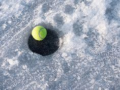 When cold weather creeps in, tennis players must dress the part and change their game. Here are 6 tips to make sure your game doesn't suffer..