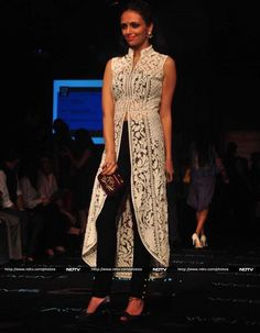 Love the dress-like jacket. Roshni Chopra opted for a Pankaj and Nidhi creation Indian Attire, Indian Wear, Indian Dresses, Indian Outfits, Moda India, Desi Wear, Desi Clothes, Indian Couture, Mode Vintage