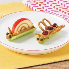 Love these cute kids snack ideas from Parade's Community Table Recipes! #kidsnacks #kideats #cleaneating #healthyeating #communitytablerecipes