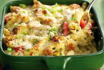 Indulge in your favorite creamy pasta dishes like macaroni cheese and still lose weight? At Slimming World you can! Slimming World Dinners, Slimming World Diet, Slimming World Recipes, Healthy Pastas, Healthy Eating Recipes, Cooking Recipes, Cheese Recipes, Healthy Food, Yummy Food