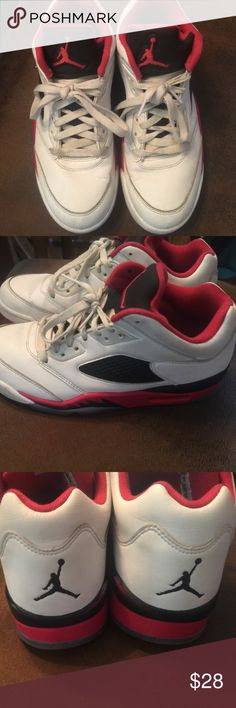 Jordan's Need to be washed and possibly whitened. Pet and smoke free home. Jordan Shoes Sneakers