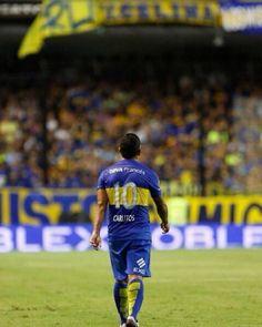 Tevez rechazó una oferta del fútbol chino de 25 millones de...