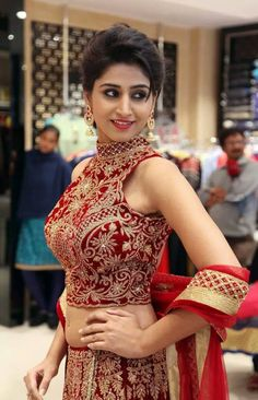 Beautiful Girl Photo, Beautiful Girl Indian, Beautiful Indian Actress, Beautiful Women, Indian Bridal Photos, Most Beautiful Bollywood Actress, Indian Look, Cool Summer Outfits, Bollywood Girls