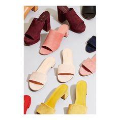 Mood-boarding for Winter '17 • Shoes by Mansur Gavriel • Colour inspiration! ⚡️ #moodboard #colourboard #colourinspiration #warmtones #burgundy #yellow #mansurgavriel