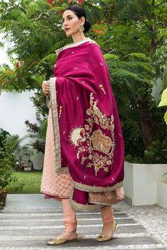 Pakistani Fashion Casual, Pakistani Wedding Outfits, Pakistani Dresses Casual, Pakistani Bridal Dresses, Indian Fashion, Embroidery Suits Punjabi, Embroidery Suits Design, Embroidery Fashion, Designer Suits For Wedding