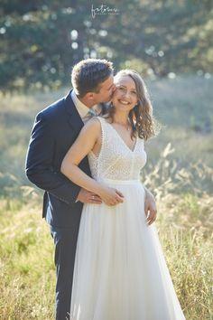 Álom esküvő Daalarna menyasszonyi ruhában - Esküvői fotós, Esküvői fotózás, fotobese Fancy Skirts, Plain Dress, On Your Wedding Day, Simply Beautiful, Trendy Fashion, Ale, Wedding Gowns, Fashion Dresses, Bride