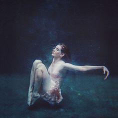 Photographer: Samantha LouiseModel: Kylie Board