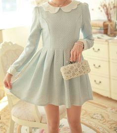 I have been looking for a dress with a Peter Pan collar and i can't find one but there is a super cute esty shop that has boat loads of them!