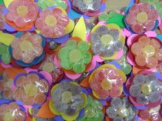 Flores de jujuba feitas com 7 balinhas cada. Lindas!! Perfeita para lembrancinhas ou decorar sua festinha.