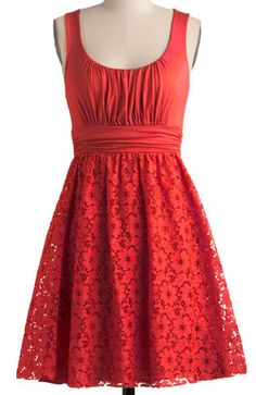 Pretty dress with cut out detail http://rstyle.me/n/fhztnnyg6