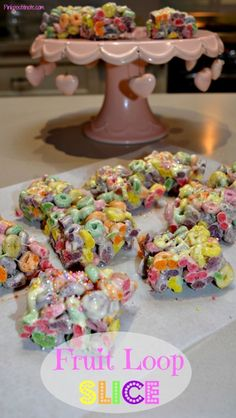 There are Rice Krispie Treats made of rice bubbles, and Mars Bar slices made of Rice Bubbles, why has no one ever come up with a Froot Loop Slice? Pulled Pork Burger, Pork Burgers, Rice Krispie Treats, Rice Krispies, Rice Bubble Recipes, Rice Bubble Slice, Mars Bar Slice, Rich Recipe, Recipe Box