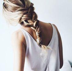 Het vlechtje, maar dan net anders. #howtodoyourhair #hairgoals #hetvlechtje