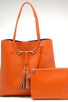 Gucci Fashion Handbags, Purses And Handbags, Fashion Bags, Gucci, Handbag Accessories, Fashion Accessories, Jaune Orange, Orange Orange, Orange Shoes