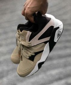 BEAUTY & YOUTHの<PUMA×monkey time>∴ BLAZE OF GLORY SECULAR CHANGE/スニーカーです。こちらの商品はUNITED ARROWS LTD. ONLINE STOREにて通販購入可能です。
