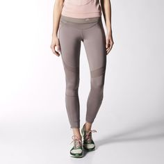 The adidas by Stella McCartney Run Seven-Eighth Tights have a scuba-inspired ergonomic fit. With ankle zips, ventilated mesh and a comfortable engineered stretch waistband.