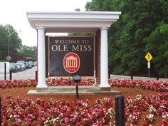 Ole Miss - University of Mississippi Rebels football - campus entrance