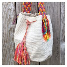 I hope you are enjoying your family time today. I really enjoy taking my little girls to the park and going outside for… Free Crochet Bag, Easy Crochet, Knit Crochet, Crochet Bikini, Crochet Sweater Design, Mochila Crochet, Trendy Handbags, Crochet Handbags, Tapestry Crochet