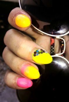 summer neon nails Neon Nails, My Nails, Gemstone Rings, Silver Rings, Gemstones, Summer, Jewelry, Summer Time, Jewlery