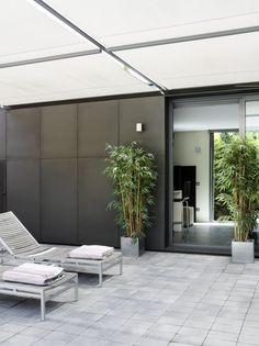 Construcción de vivienda con piscina
