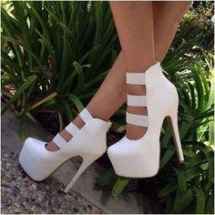 Find More at => http://feedproxy.google.com/~r/amazingoutfits/~3/vPQIKHKcIeI/AmazingOutfits.page Pumps, Heels, Dress Sandals, Fashion, Choux Pastry, Moda, Court Shoes, Fasion, Pump