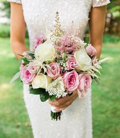 Stunning bridal gown with a gorgeous rose wedding bouquet Spring Wedding, Dream Wedding, Wedding Day, Wedding 2017, Rose Wedding Bouquet, Wedding Flowers, Alternative Bouquet, Bride Bouquets, Brides And Bridesmaids