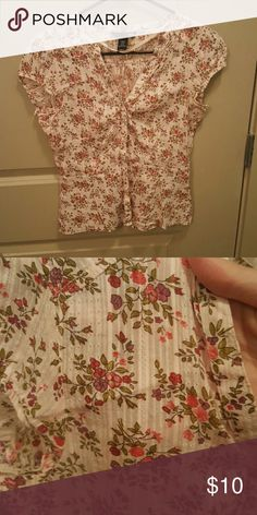 Selling this H&M pink floral button-up shirt on Poshmark! My username is: buckleboots. #shopmycloset #poshmark #fashion #shopping #style #forsale #H&M #Tops