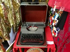 Underwood Vintage Typewriter   With Case   $48  Booth #205  Lula B's  1010 N. Riverfront Blvd. Dallas, TX 75207